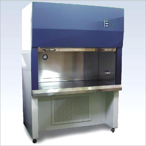 Reverse Laminar Airflow Cabinet