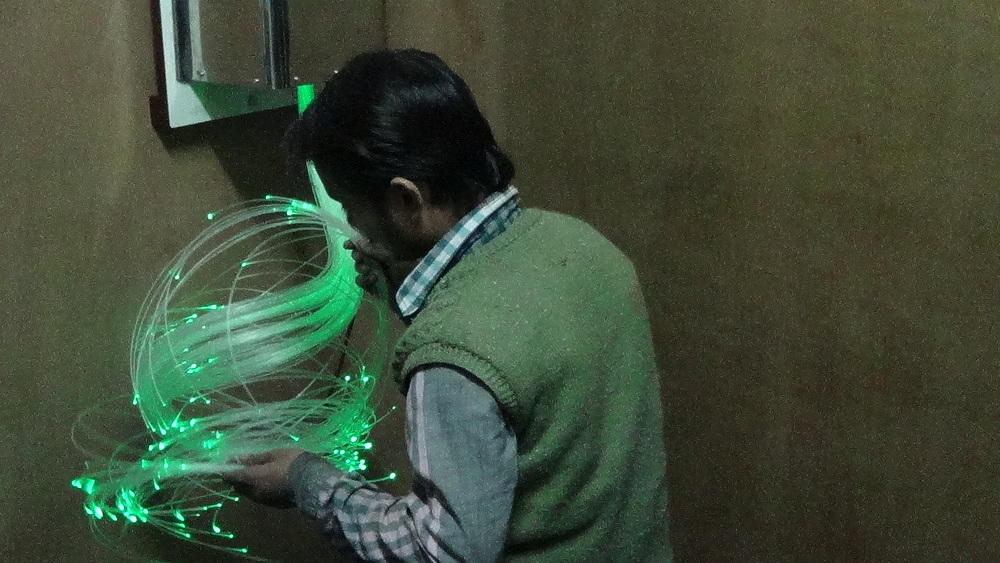 Fiber-optic Light with Source