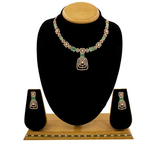 Beautiful Simple Design Amerian Diamond Necklace Set