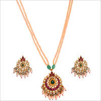 WST1361RG Paachi Kundan Necklace Set