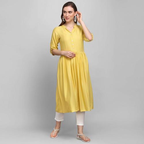 Women Rayon Anarkali Kurta With Trouser