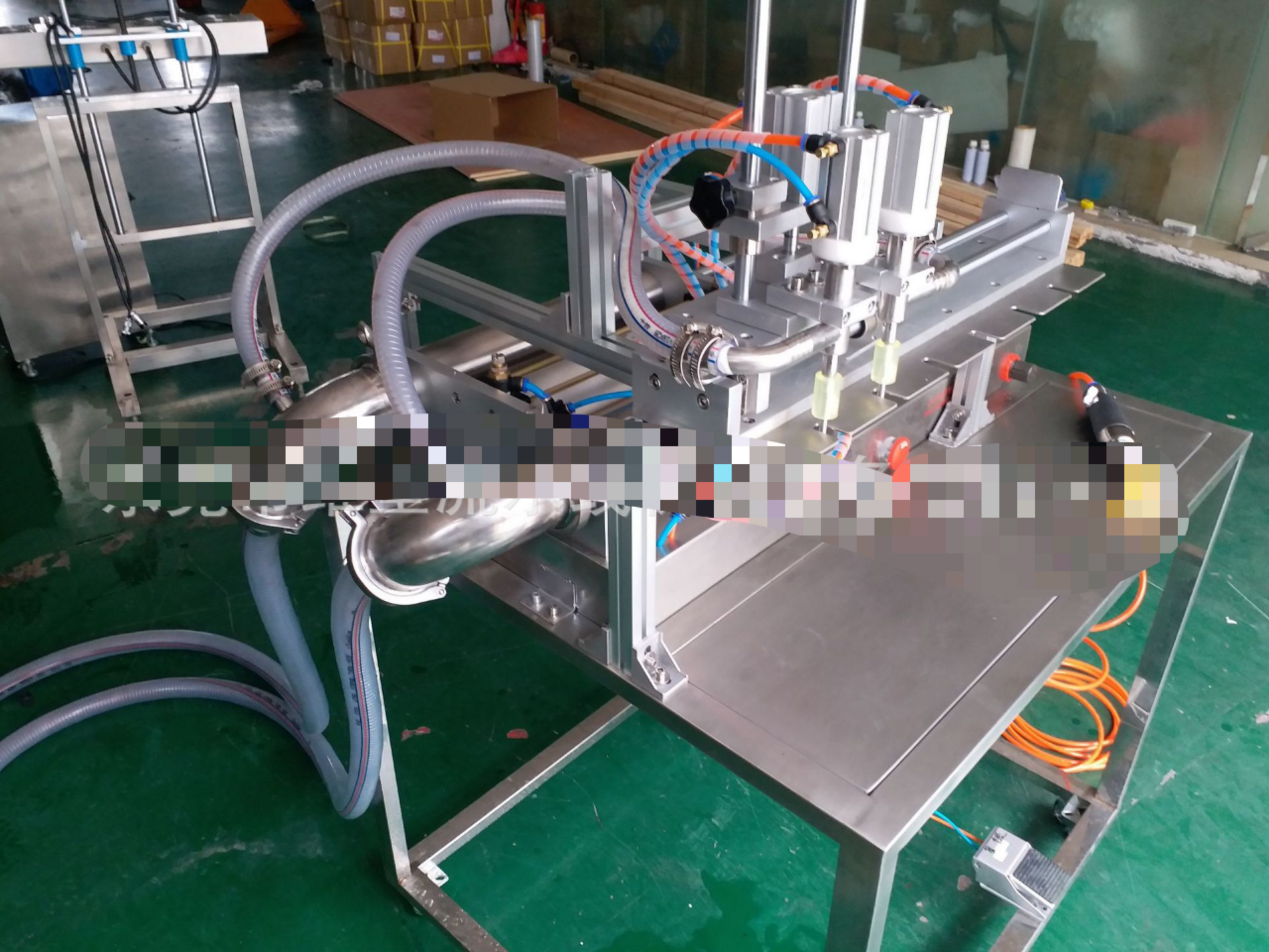 Double Head Semi Automatic Bottle Can Liquid Filling Machine