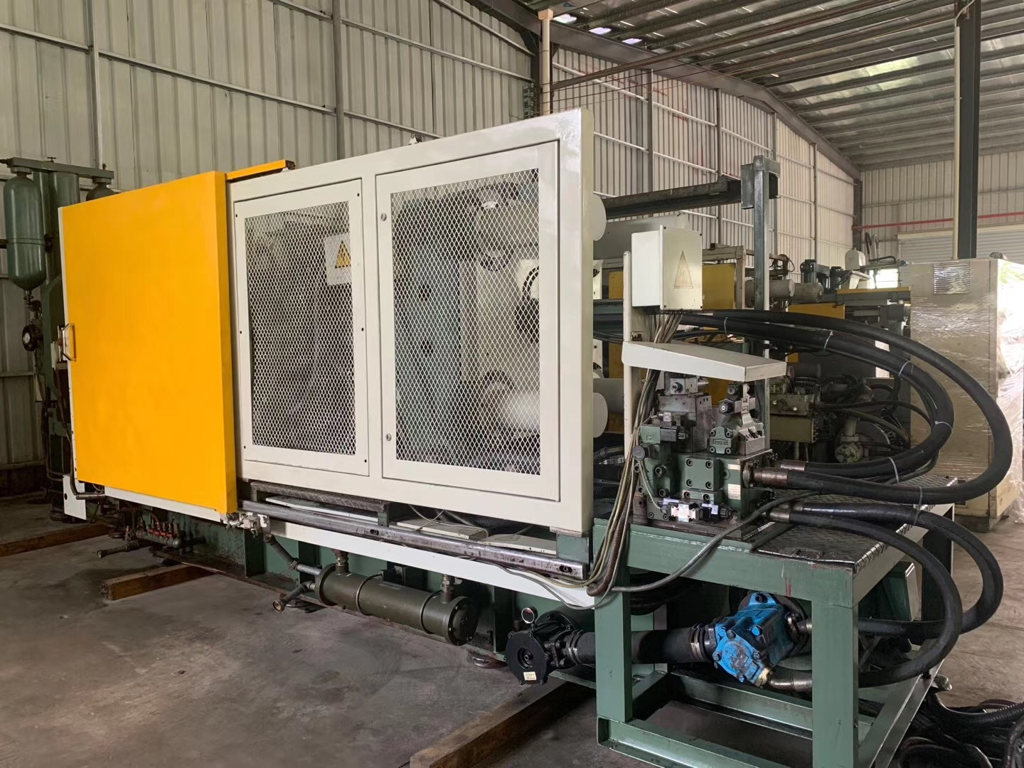 Used Lk 400t Cold Chamber Die Casting Machine