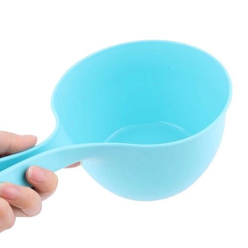 Round Head Pouring Ladle Scoop (Random Colors)