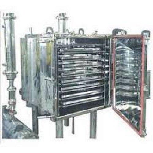 Vacuum Tray Dryer