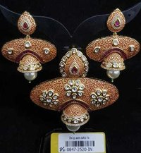 Kundan Meena Pendent Set