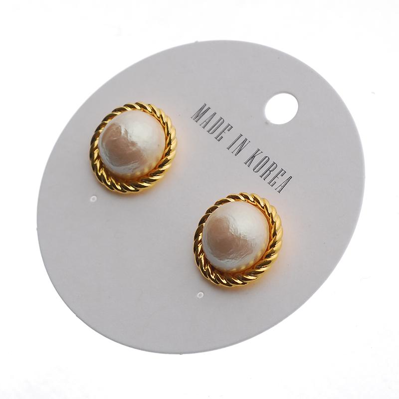 Goldtone rope pearl vintage earring