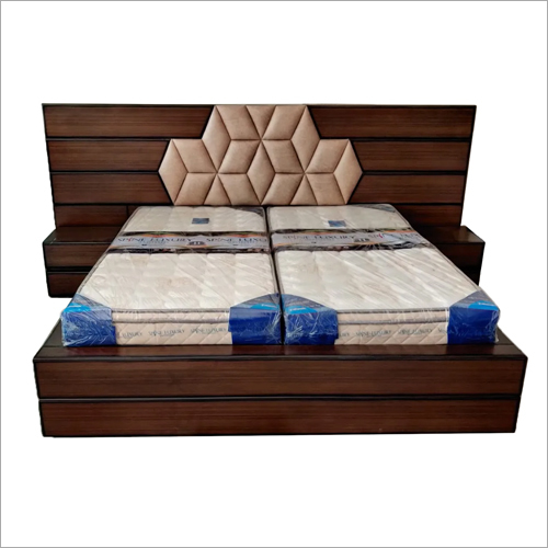 Classic Double Bed