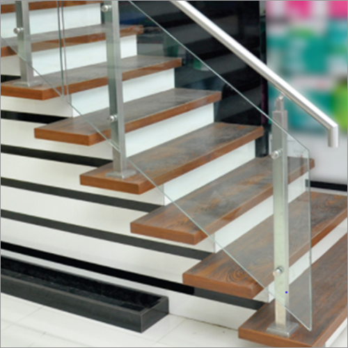 Top Mounted Square Railing System with Glass