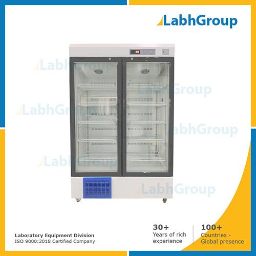 Refrigerator for laboratory