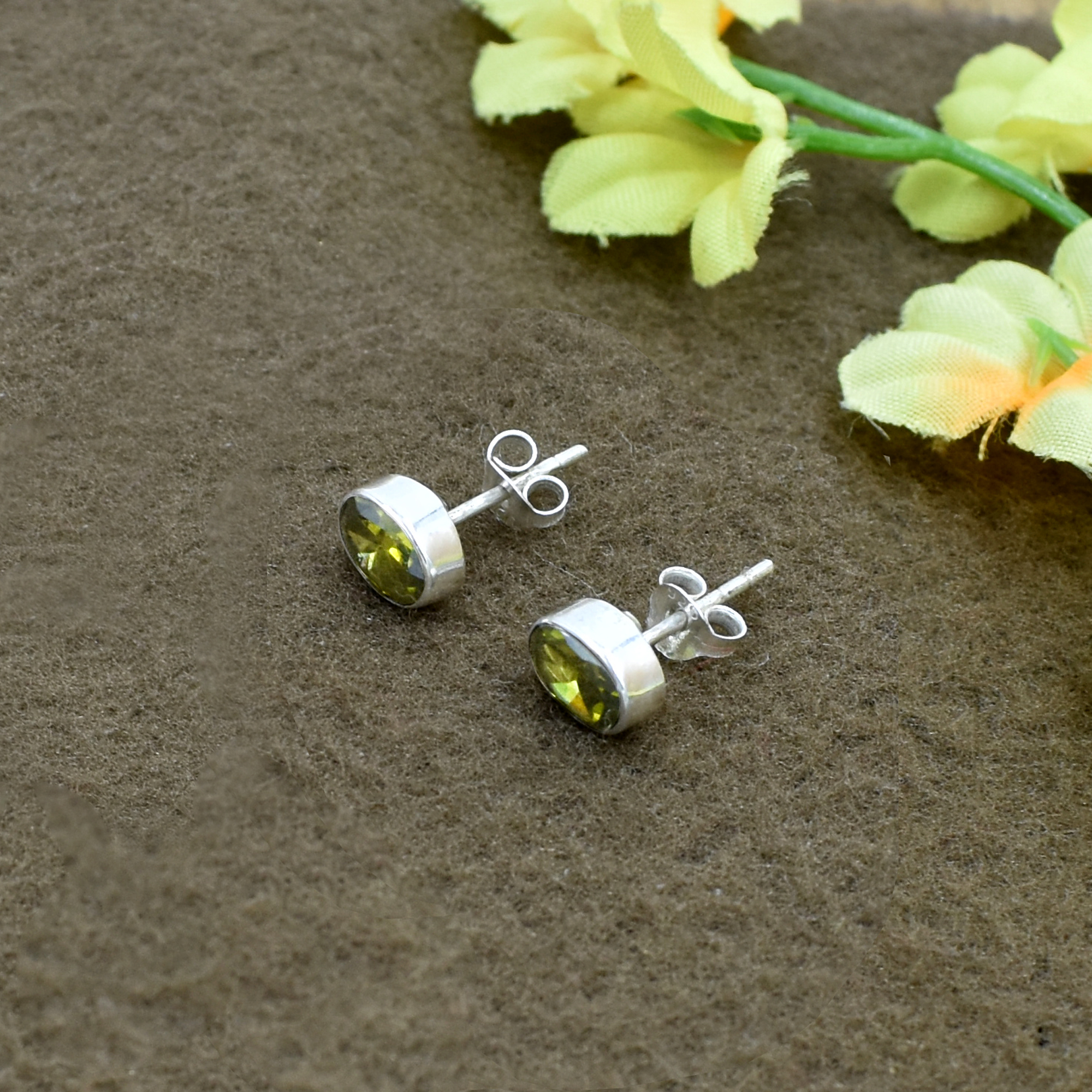 Amazing Green Color Quartz Round Gemstone 925 Sterling Silver Post Stud Earring For women & Girls