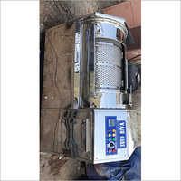 Top load industrial washing machine
