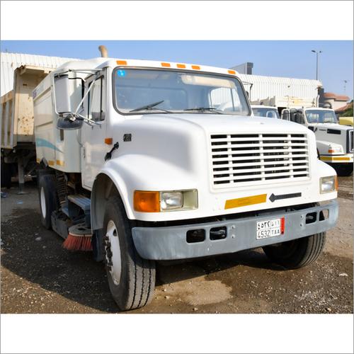 International 4700 Sweeper Truck