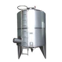 Vertical milk silo tanks