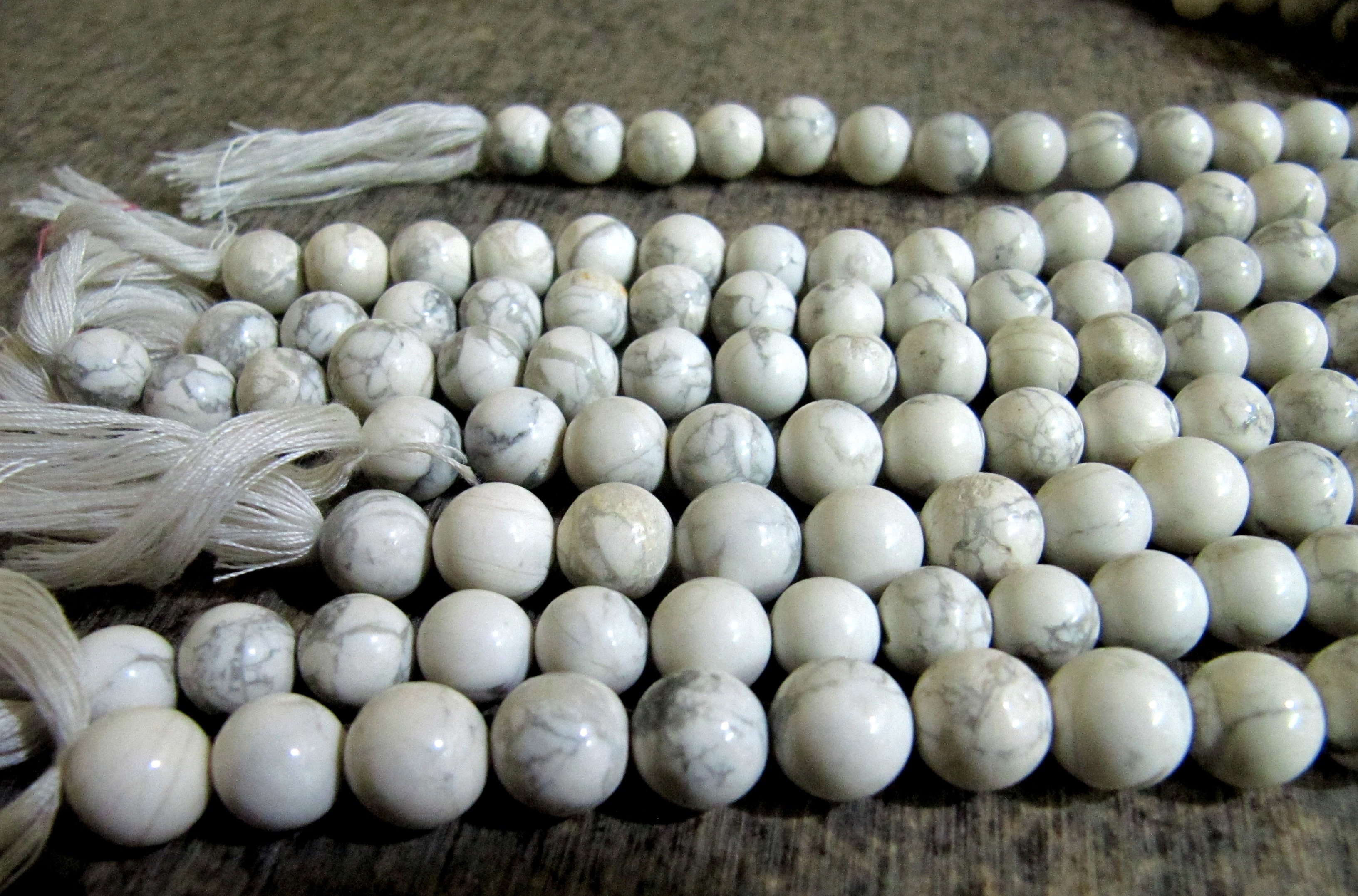 Natural Howlite Plain Smooth Round Ball