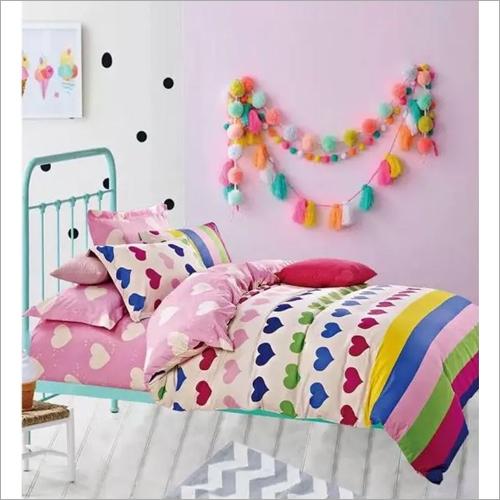 Kids Heart Shape Print Comforter Set