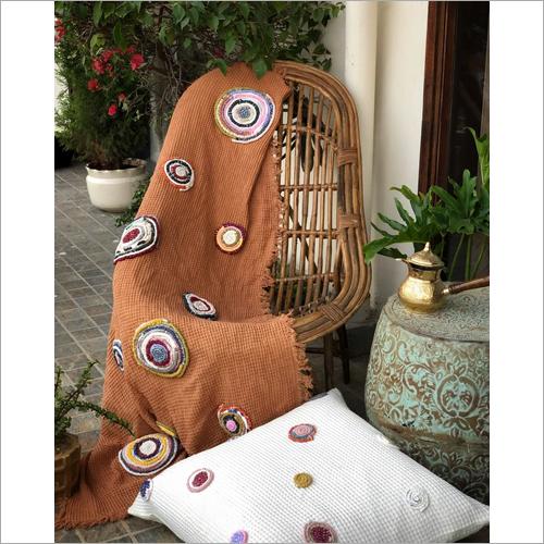 Cinnamon Throw And Katran Cushion Gift Set