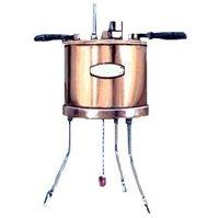 SAYBOLT VISCOMETER (ASTM-D-88.)