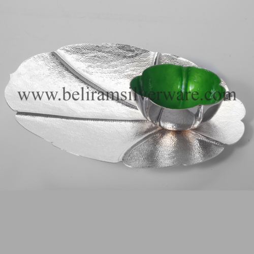 Scalloped Border Leaf Silver Platter With Green Bowl