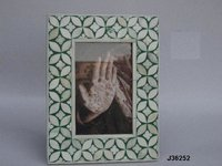 Bone Inlay Photo Frame With Cut Work In Green Color