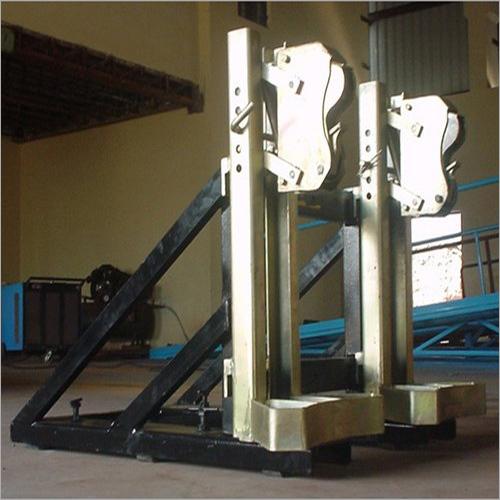 Forklift Attachment - Parrot Beak - Drum Handling Attachment