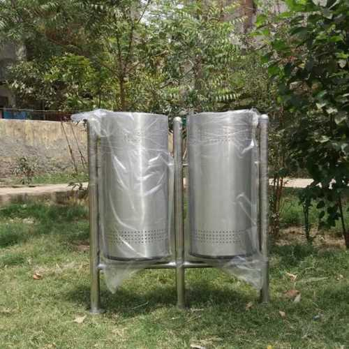 Pole hanging dual Dustbin