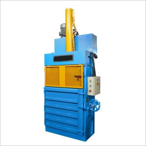 Urmi Vertical Baling Machine