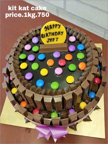1KG kit kat Cake