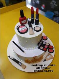 1KG Makeup kit kat Cake