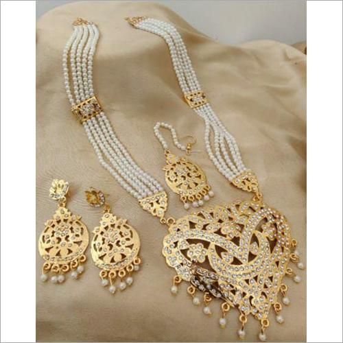 Ladies Antique Jewellery Set
