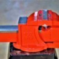 100m to 250mm Bench Vice