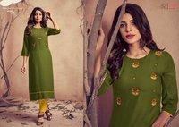 Mariya Women's Wear Pure Rayon Embroidery Kurtis With Pant