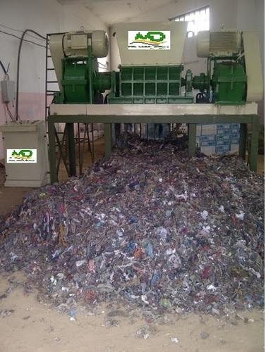 Clothes waste shredder machine