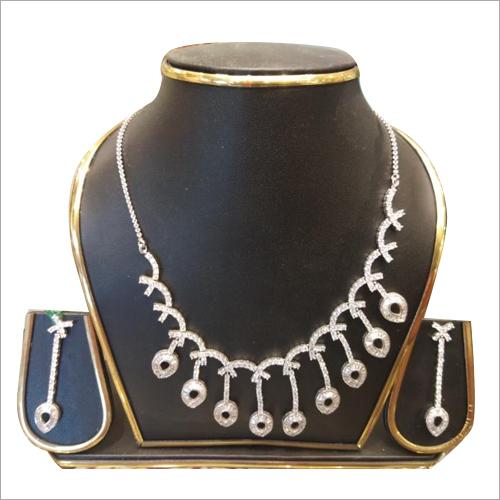 Ladies Modern Necklace Set