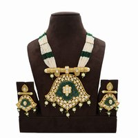 Kundan Pendent Mala Set With Green Carving Stone And Pearl Hangings