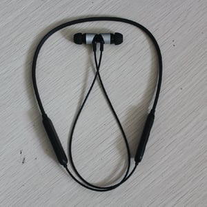 Wireless Neckband Earphones With Fast Charging & Mic, With Deep Bass Headphones