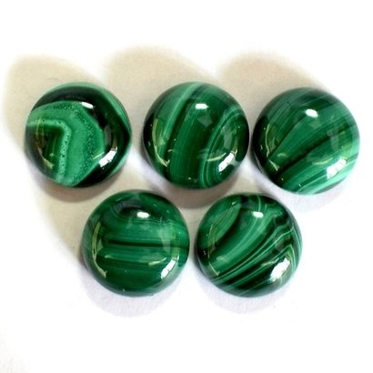 13Mm Malachite Round Cabochon Loose Gemstones Certifications: As Per Customer'S Requirement