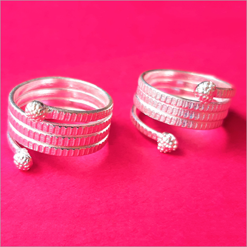 Ladies Designer Toe Rings