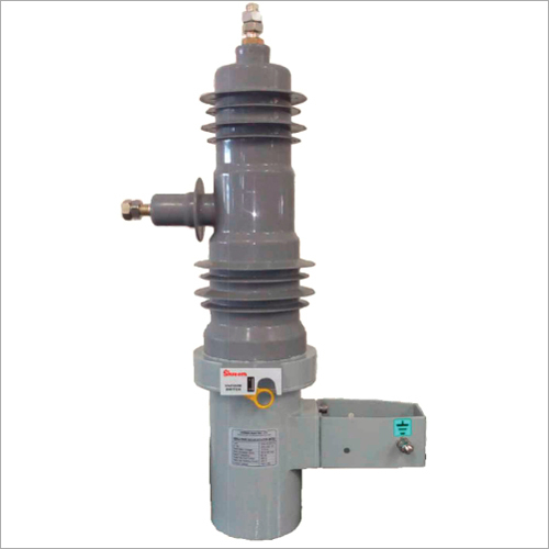 Solid Insulated Vacuum Capacitor Switch
