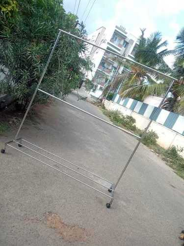 Ss Cloth Display Hanger Stand In Vadavalli