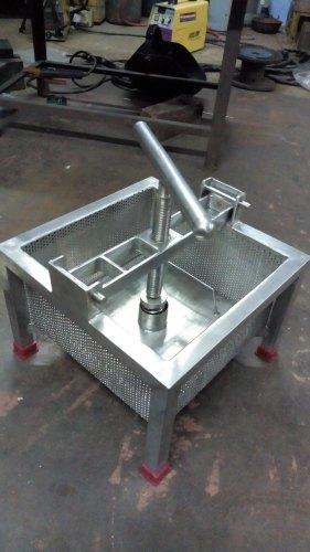 Mechanical Paneer Press