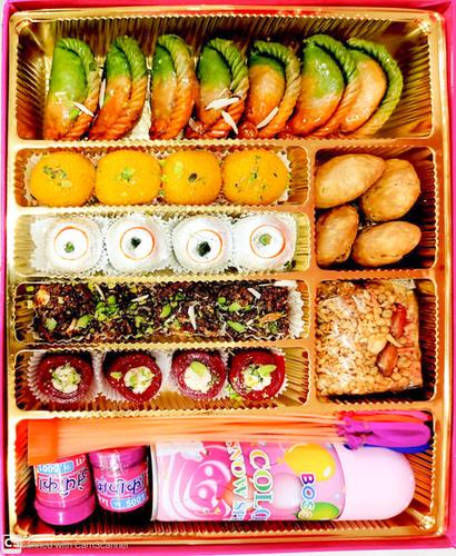 Holi special box