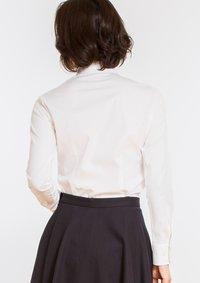 Premium Stretch Easy Care Ruffle Long Sleeve Shirt