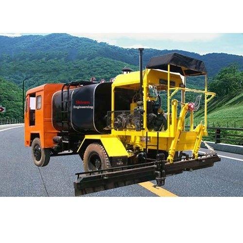 Truck Mounted Bitumen Sprayer 6 Tan
