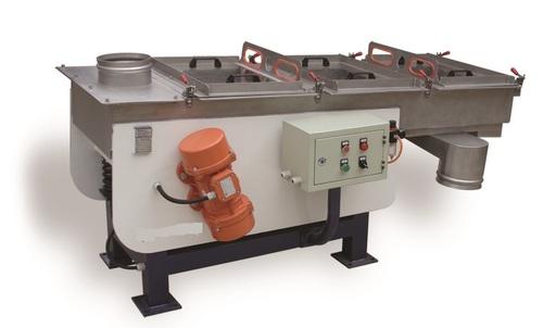 Vibrating sieve machine for pellets