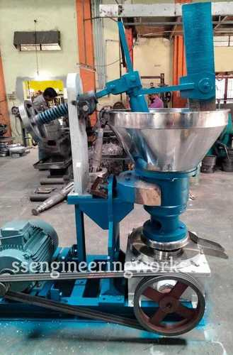 Rotary ( iron) Chekku Oil  extraction Machine 15 kg with 7.5hp motor(3 phase)