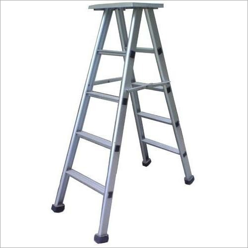 Self Supporting Stool Ladder