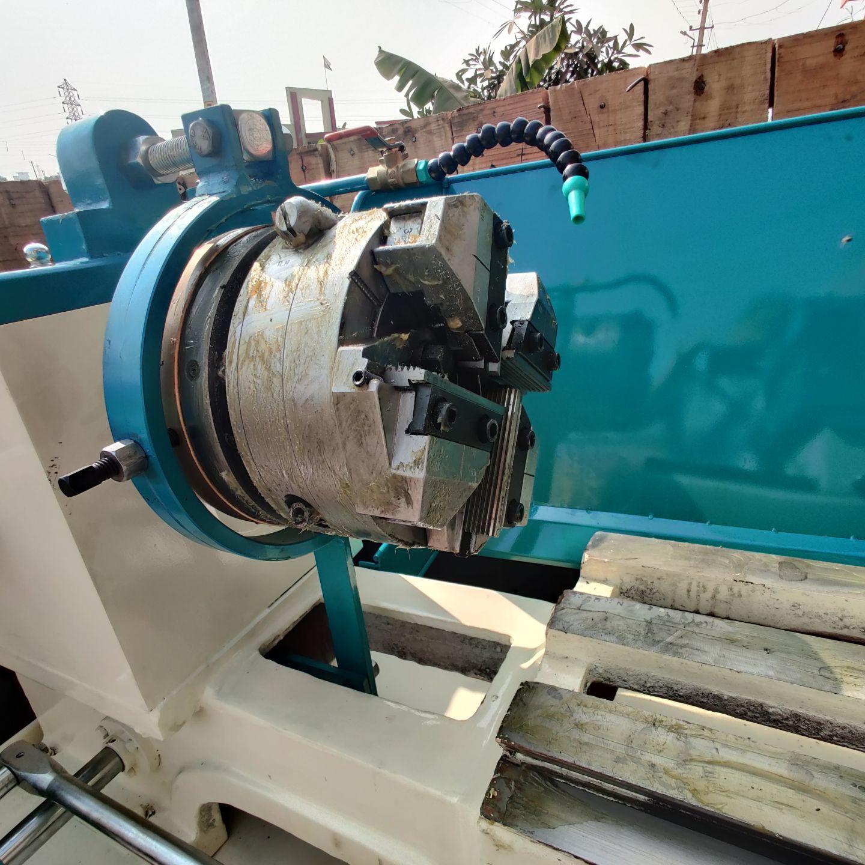 Pipe & Bolt Threading Machine
