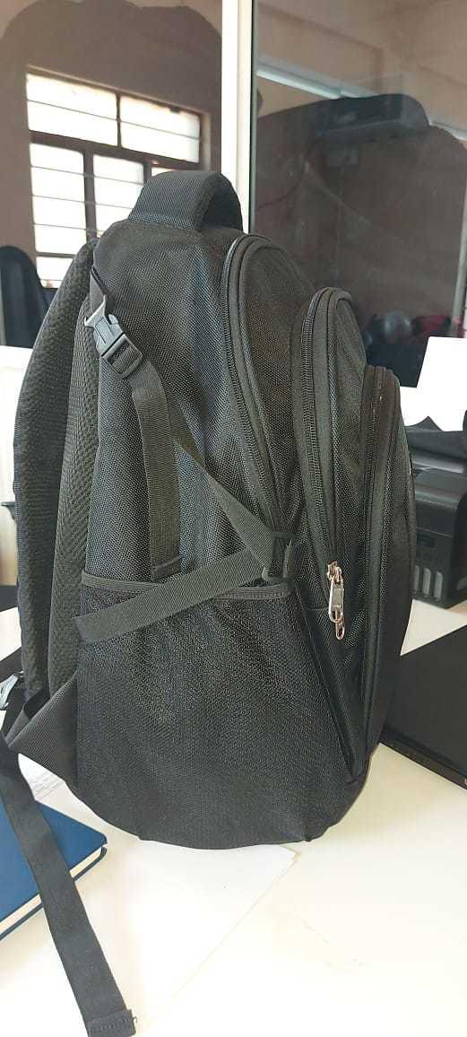 Aiva heavy laptop and travel bag