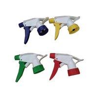 Plastic spray gun